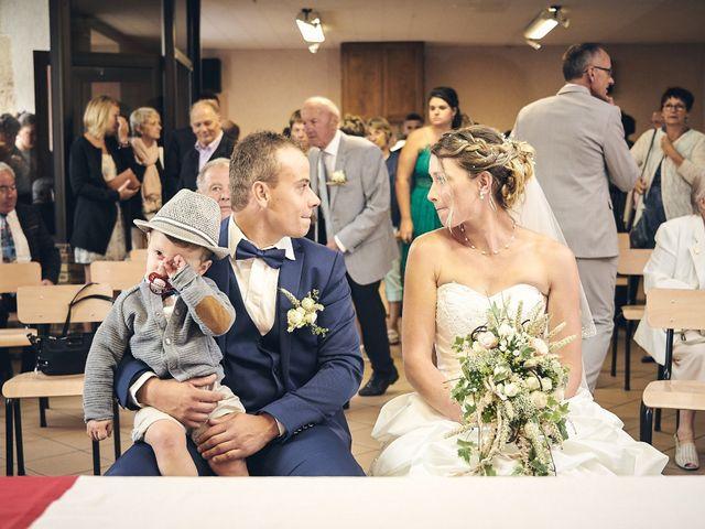 Le mariage de Quentin et Anaïs à Ougney, Jura 14