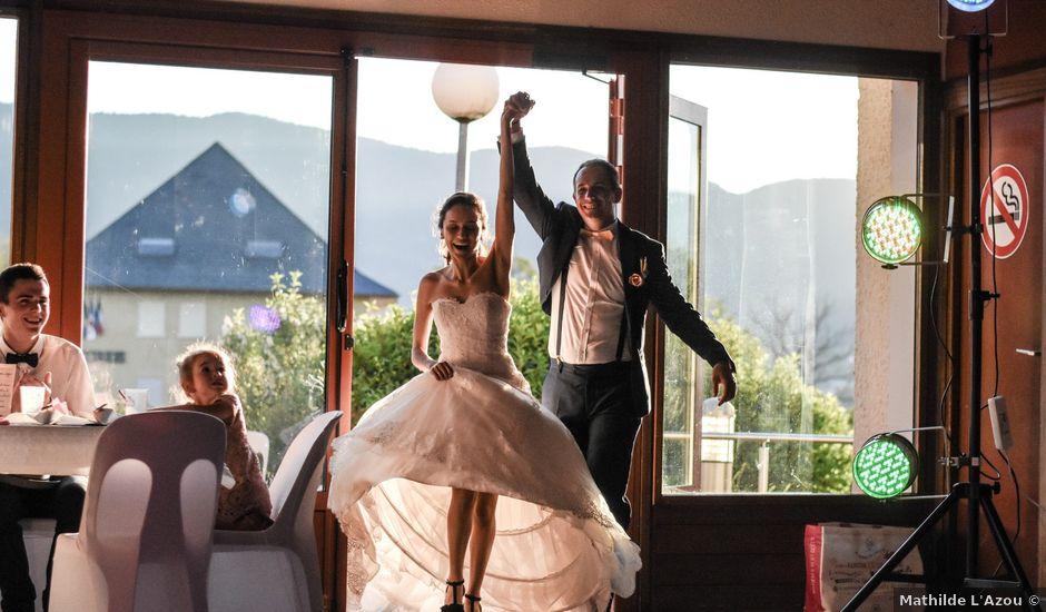 Le mariage de Anthony et Anaïs à Saint-Cassin, Savoie