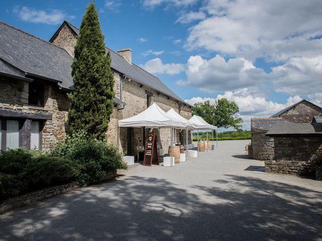 Le mariage de Yoann et Lucie à Châteaugiron, Ille et Vilaine 55