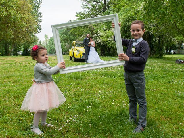 Le mariage de Jean et Elodie à Coulonges-sur-l'Autize, Deux-Sèvres 13