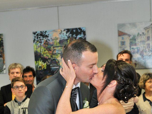 Le mariage de Jean et Elodie à Coulonges-sur-l'Autize, Deux-Sèvres 22