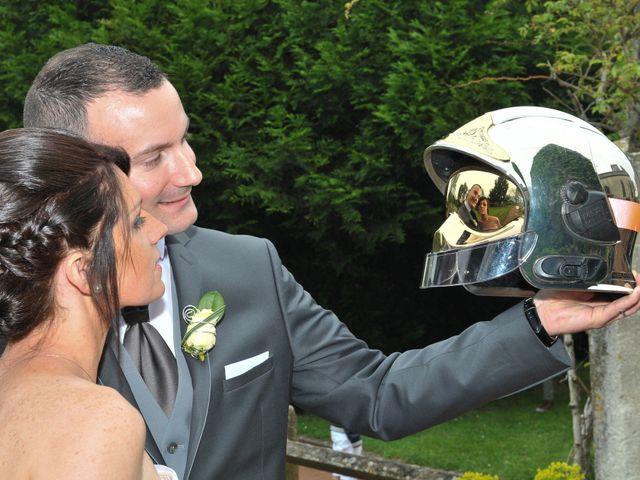 Le mariage de Jean et Elodie à Coulonges-sur-l'Autize, Deux-Sèvres 25