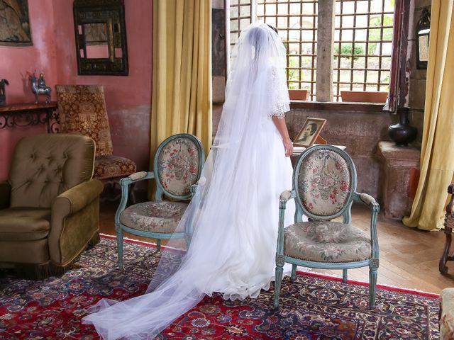 Le mariage de Pierre et Laure à Saint-Pierre-des-Échaubrognes, Deux-Sèvres 6