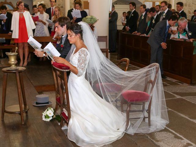 Le mariage de Pierre et Laure à Saint-Pierre-des-Échaubrognes, Deux-Sèvres 9