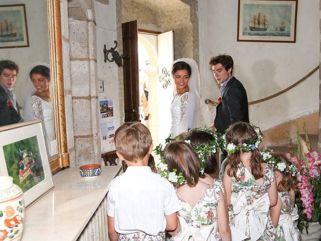 Le mariage de Pierre et Laure à Saint-Pierre-des-Échaubrognes, Deux-Sèvres 16