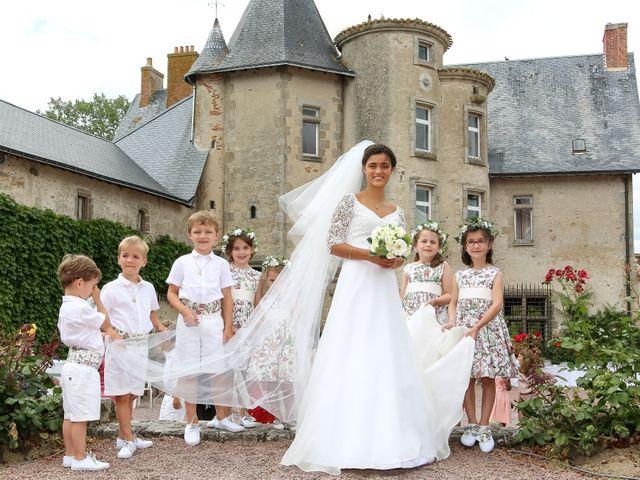 Le mariage de Pierre et Laure à Saint-Pierre-des-Échaubrognes, Deux-Sèvres 21