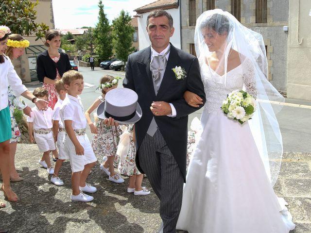 Le mariage de Pierre et Laure à Saint-Pierre-des-Échaubrognes, Deux-Sèvres 22