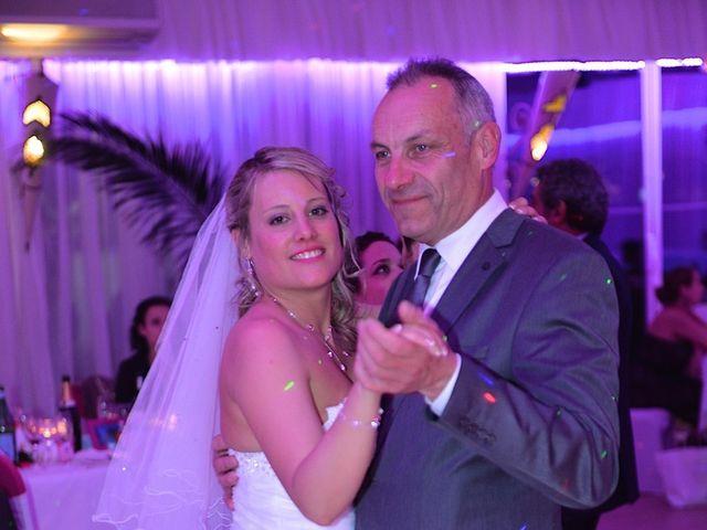 Le mariage de Léa et Charles à Le Coudray-Montceaux, Essonne 16