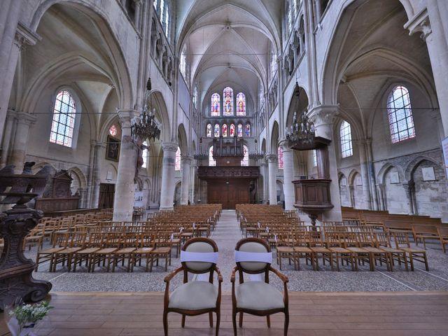 Le mariage de Jean Paul et Magdalena à Saint-Ouen-l'Aumône, Val-d'Oise 33
