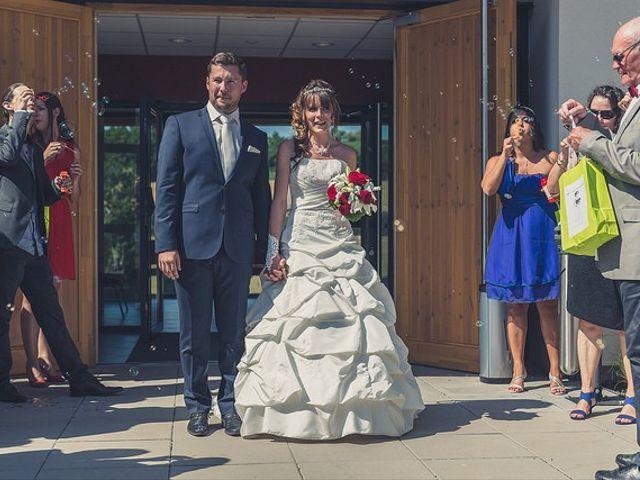 Le mariage de Florian et Sylviane à Montcarra, Isère 24