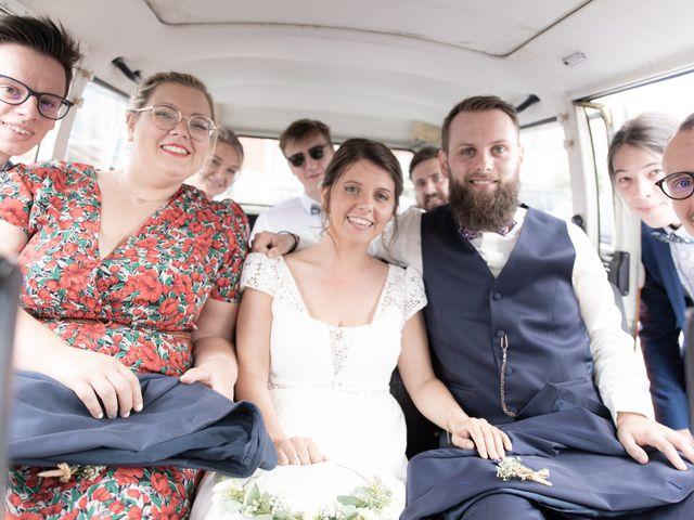 Le mariage de Maxime et Coralie à Camphin-en-Pévèle, Nord 1