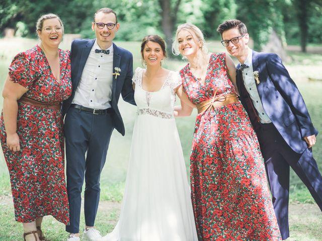 Le mariage de Maxime et Coralie à Camphin-en-Pévèle, Nord 107