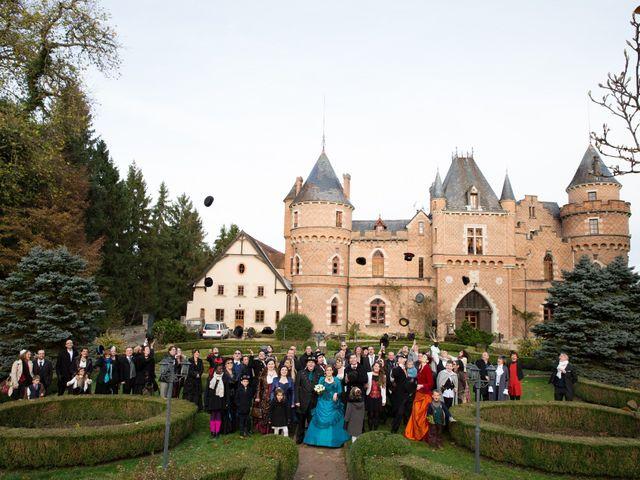 Le mariage de David et Axelle à Saint-Priest-Bramefant, Puy-de-Dôme 2