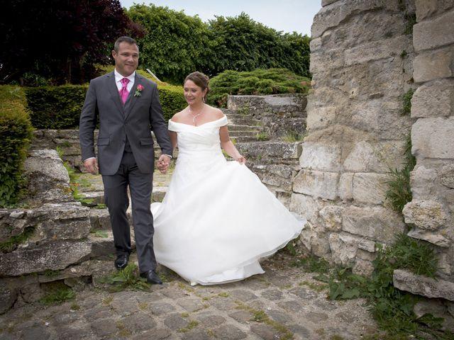 Le mariage de Xavi et Sally à Crépy-en-Valois, Oise 2
