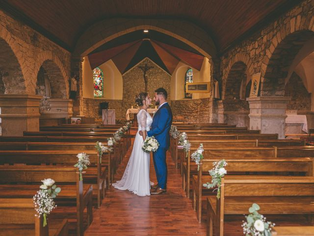 Le mariage de Anthony et Ophélie à Saint-Genest-Malifaux, Loire 26