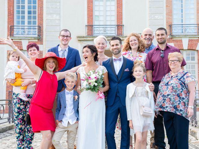 Le mariage de Loïc et Gwladys à Réveillon, Marne 21