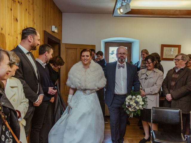 Le mariage de Eloise et Nicolas à Le Reposoir, Haute-Savoie 11