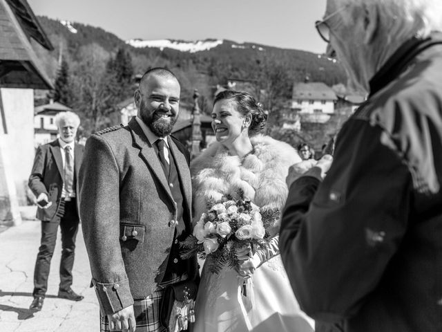 Le mariage de Eloise et Nicolas à Le Reposoir, Haute-Savoie 41