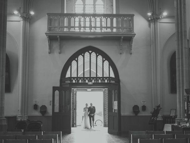 Le mariage de Jim et Sandy à Halluin, Nord 16