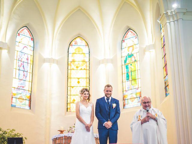 Le mariage de Jim et Sandy à Halluin, Nord 18