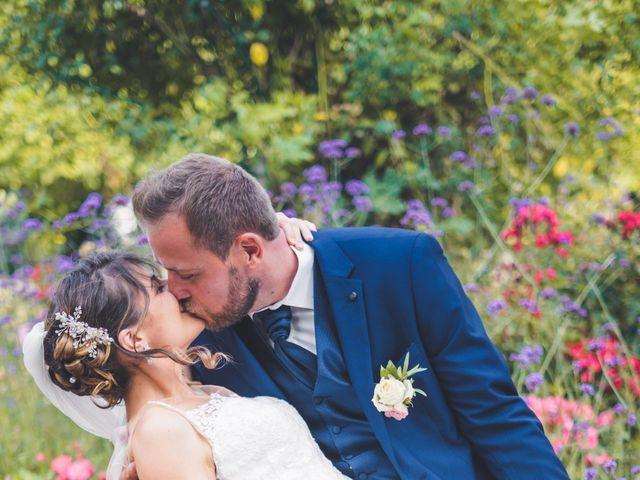 Le mariage de Jim et Sandy à Halluin, Nord 26