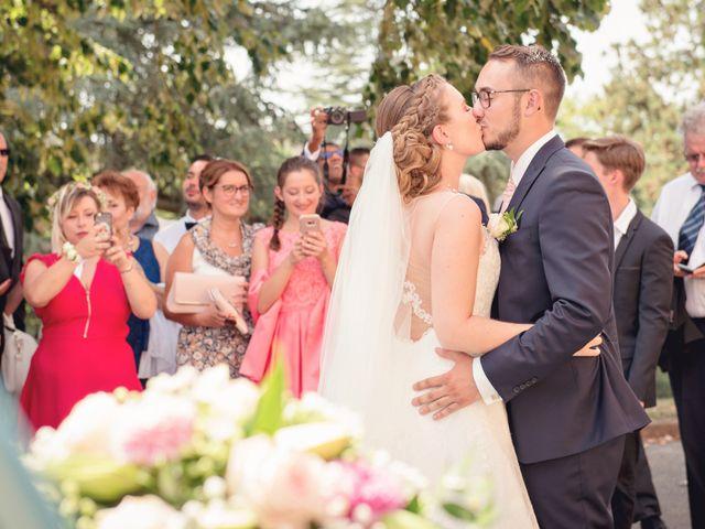 Le mariage de Florian et Nolwenn à Chazay-d'Azergues, Rhône 11
