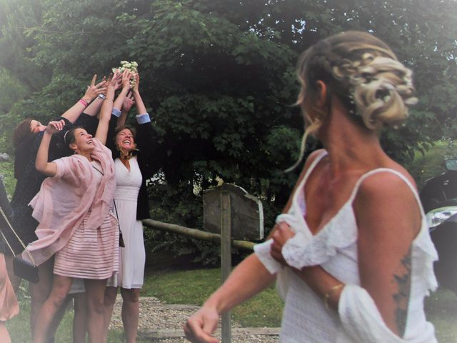 Le mariage de Julien et Solenne à Loubens, Gironde 5