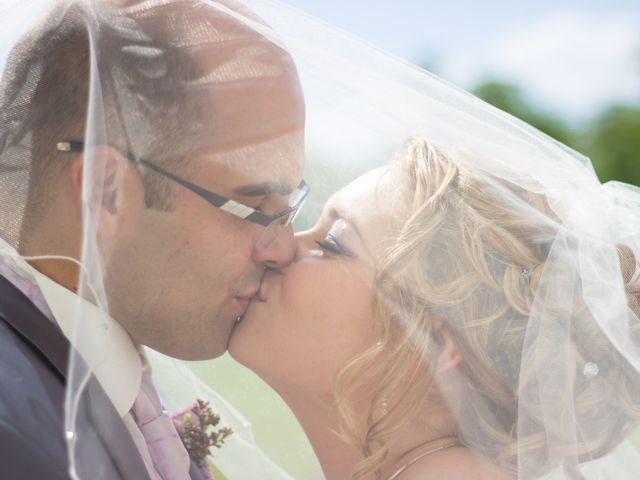 Le mariage de Guillaume et Roxanne à Saint-Didier-des-Bois, Eure 1