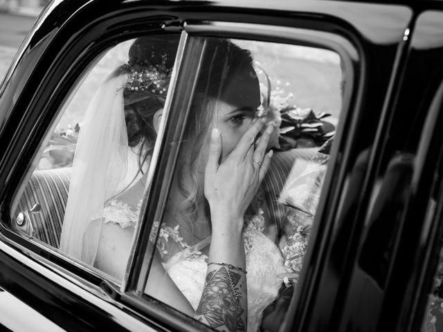 Le mariage de Rémi et Marianne à Angoulins sur Mer, Charente Maritime 89