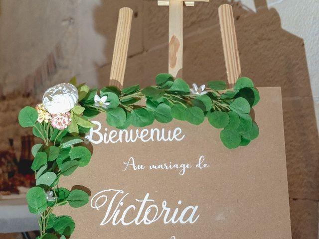Le mariage de Emilie et Victoria à Semur-en-Auxois, Côte d'Or 3