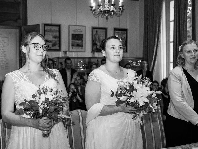 Le mariage de Emilie et Victoria à Semur-en-Auxois, Côte d'Or 7