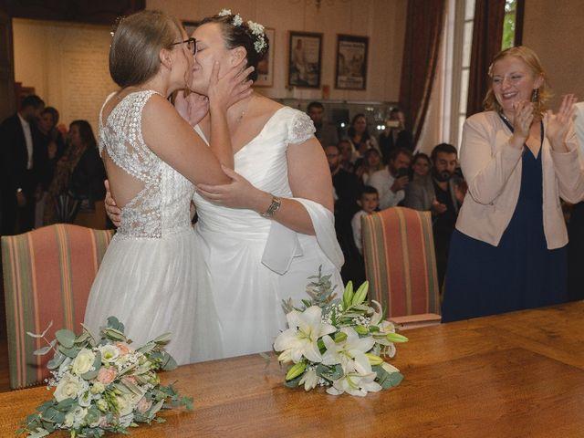 Le mariage de Emilie et Victoria à Semur-en-Auxois, Côte d'Or 8