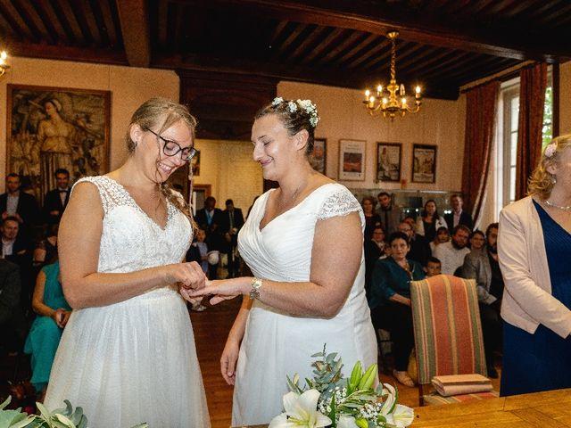 Le mariage de Emilie et Victoria à Semur-en-Auxois, Côte d'Or 10
