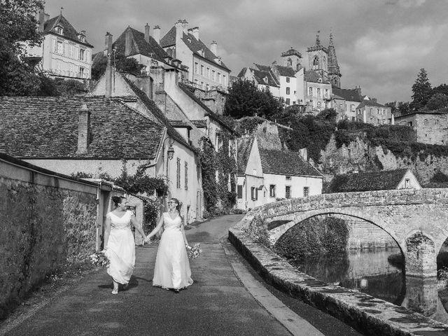 Le mariage de Emilie et Victoria à Semur-en-Auxois, Côte d'Or 13