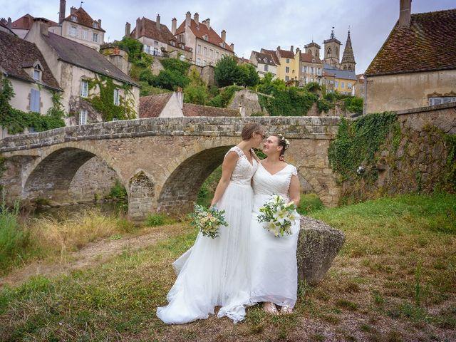 Le mariage de Emilie et Victoria à Semur-en-Auxois, Côte d'Or 15