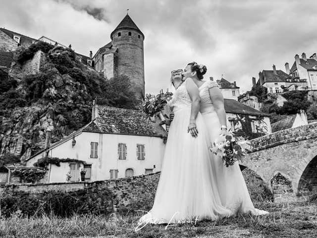 Le mariage de Emilie et Victoria à Semur-en-Auxois, Côte d'Or 18