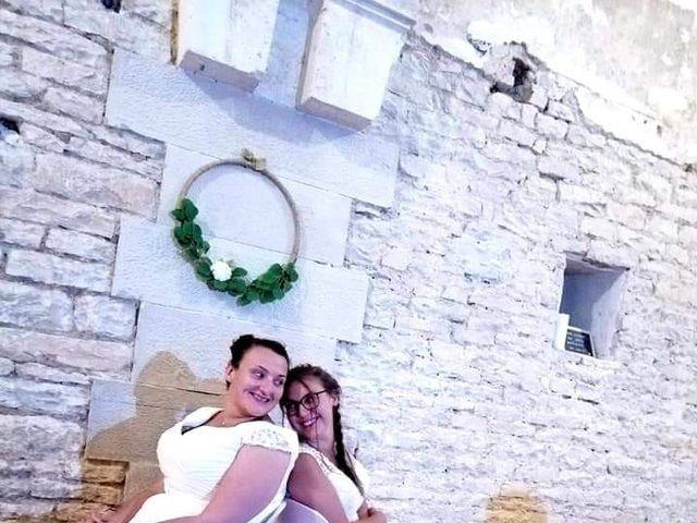 Le mariage de Emilie et Victoria à Semur-en-Auxois, Côte d'Or 32