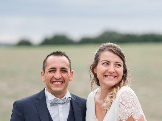 Le mariage de Damien et Elodie à Léoville, Charente Maritime 9