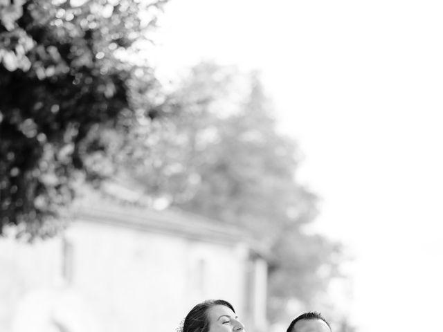 Le mariage de Damien et Elodie à Léoville, Charente Maritime 15