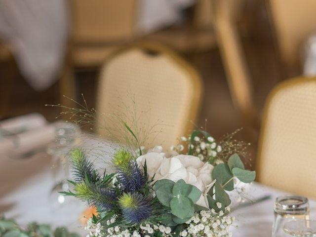 Le mariage de Damien et Elodie à Léoville, Charente Maritime 25