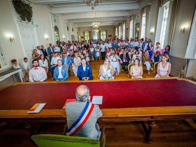Le mariage de Romain et Marine à Carpentras, Vaucluse 12