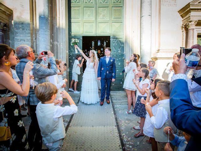 Le mariage de Romain et Marine à Carpentras, Vaucluse 14