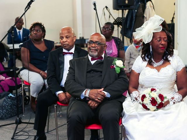 Le mariage de Ferdinand et Jocelyne à Paray-Vieille-Poste, Essonne 25