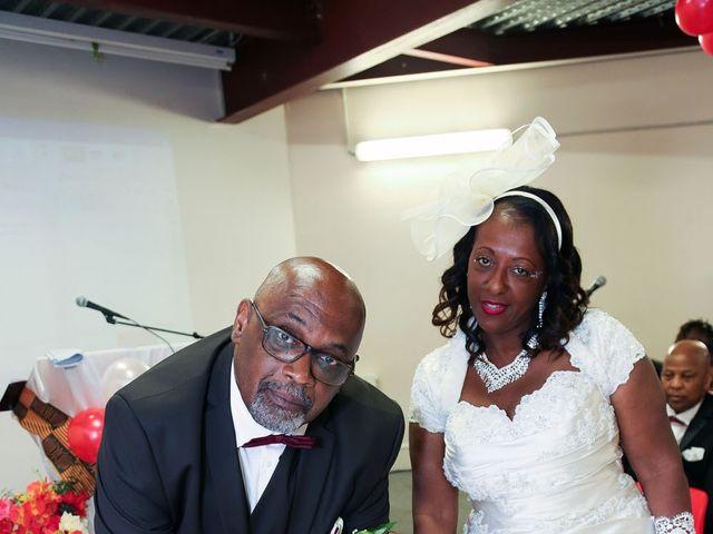 Le mariage de Ferdinand et Jocelyne à Paray-Vieille-Poste, Essonne 33