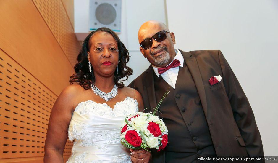 Le mariage de Ferdinand et Jocelyne à Paray-Vieille-Poste, Essonne