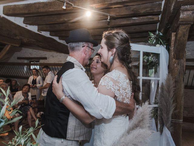 Le mariage de Maeva et Julie à Vendoeuvres, Indre 23