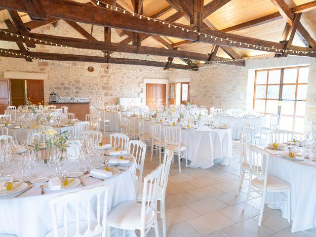 Le mariage de Victor et Bénédicte à Saint-Gènes-de-Castillon, Gironde 7