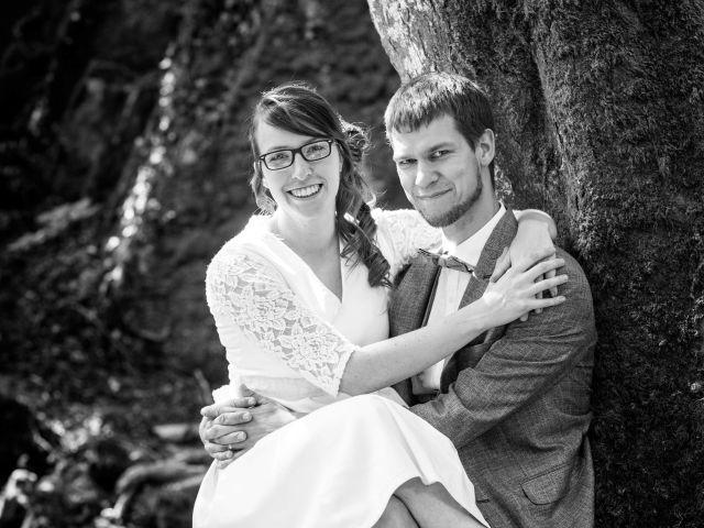 Le mariage de Damien et Hélène  à Le Mesnil-Mauger, Calvados 5