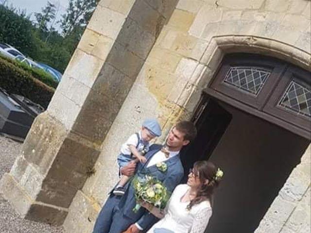 Le mariage de Damien et Hélène  à Le Mesnil-Mauger, Calvados 6
