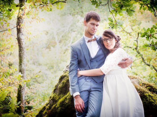 Le mariage de Damien et Hélène  à Le Mesnil-Mauger, Calvados 10